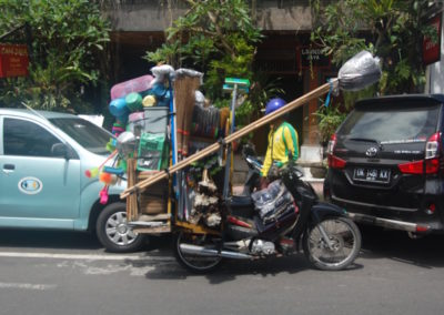 The Balinese 'dollar store'
